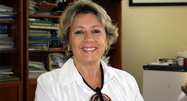 """A primeira será com a pesquisadora da Embrapa Gado de Leite (Juiz de Fora-MG), Drª Elizabeth Nogueira Fernandes, que abordará o tema """"Tecnologias para produção sustentável de leite"""""""