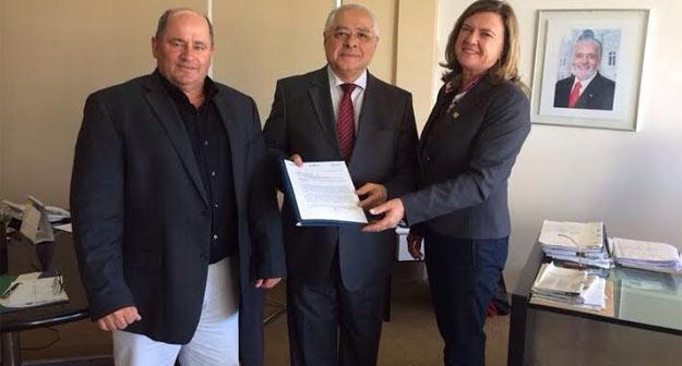 Júlio Cézar Busato, Jairo Carneiro e Isabel da Cunha