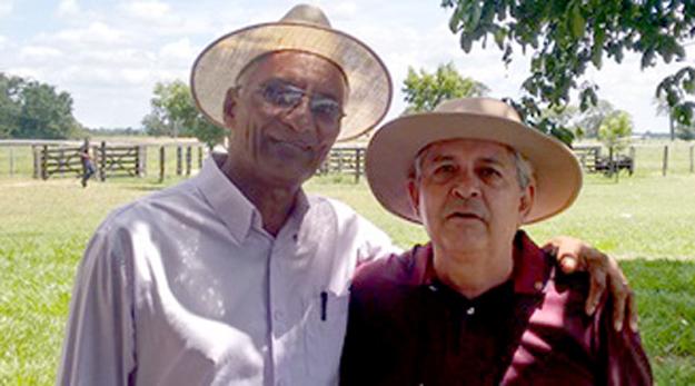 Dó Miguel e seu grande amigo Joaquim, comerciante em Barreiras e pecurarista na região de Angical