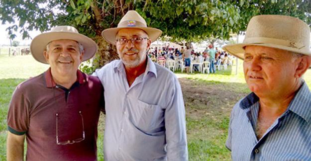Dó Miguel, o presidente da câmara e seu grande amigo comerciante Jesuíno