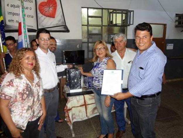 A Escola Municipal Cleonice Lopes, vencedora da gincana, foi a contemplada