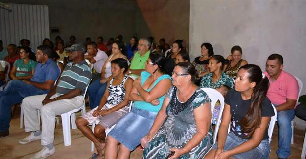 No Jardim Vitória a comunidade convidou o médico uma reunião junto com o pré-candidato a prefeito Zito Barbosa
