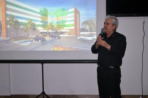 Ivan Smarcevisk, arquiteto responsável pelo prédio