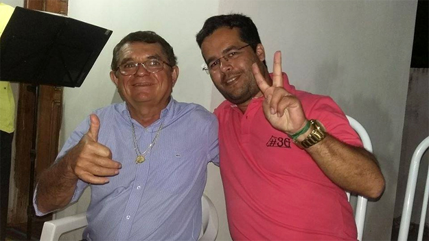 Milton Frota, à esquerda da foto